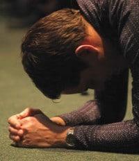 siervo-oracion-biblia