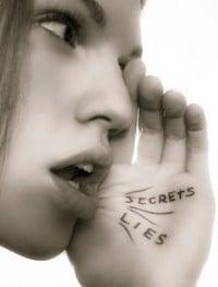 Secretos-Mentiras-Chismes