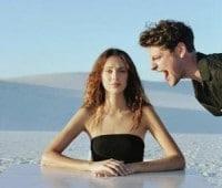 Hombre Gritando a mujer
