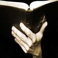 soplo-biblia-mano