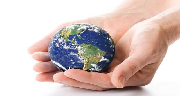 imagen-de-Dios-manos-tierra