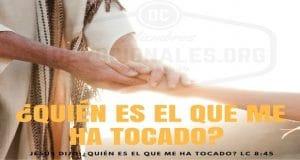 tocar-manto-Jesus-biblia