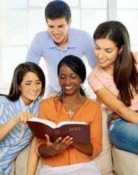 cursos_biblicos_leyendo_biblia