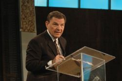 kenneth_copeland
