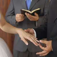 matrimonio-biblia-anillo