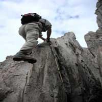 escalando-montana-biblia