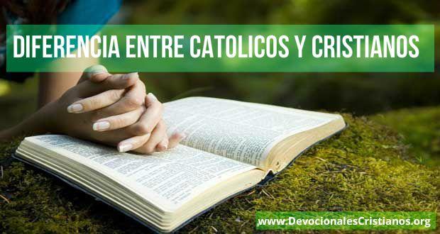leyendo biblia manos
